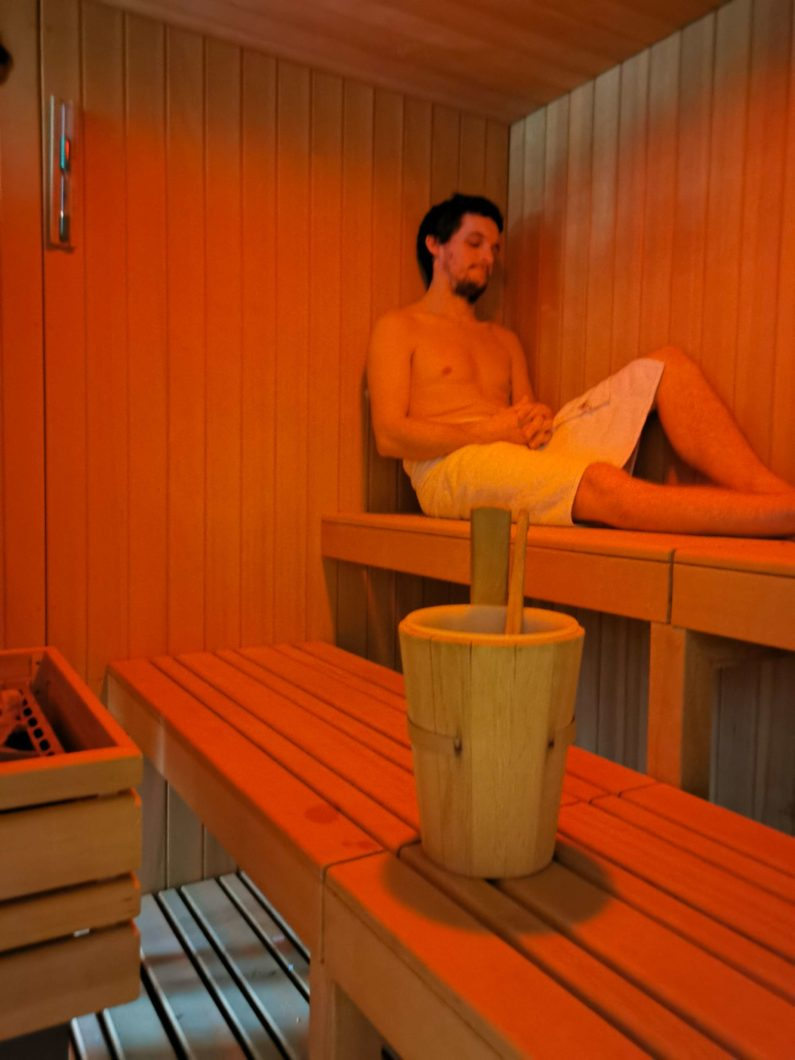 le cornouaille hotel sauna